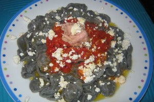 Orecchiette di grano arso con tonno e ricotta dura