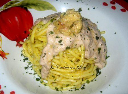 Spaghetti con mousse di tonno e borlotti.