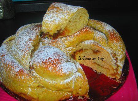 Pan Brioche di farro alle albicocche.
