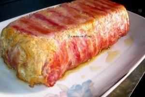Sformato di pasta con tonno e bacon.