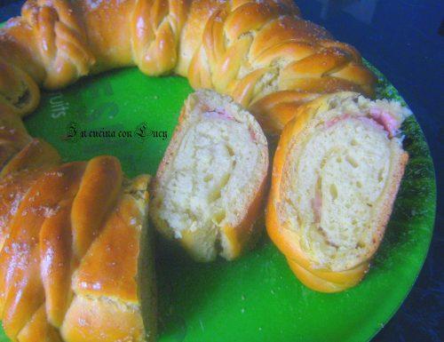 Pan brioche  con prosciutto e scamorza.