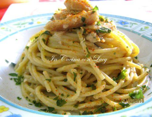 Spaghetti agrumati con tonno e sardine.
