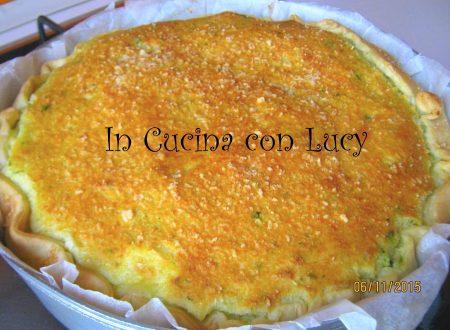 Torta salata al tris di erbette e purè.