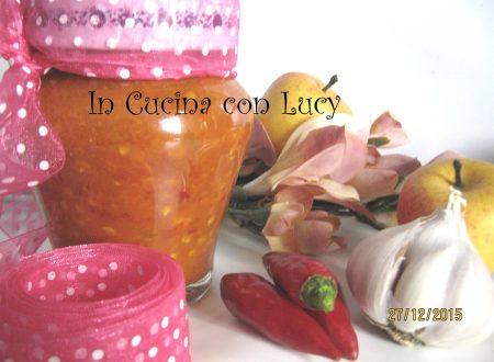 Conserva di peperoncino e aglio.