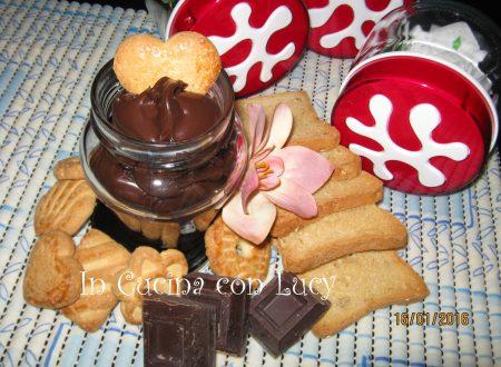 Crema gianduia vegana al cioccolato fondente