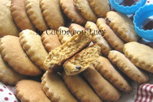Biscotti al  farro,grano saraceno e prugne