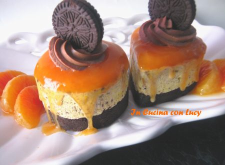 Mini cheesecake con salsa all'arancia
