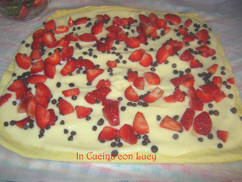 Tronchetto di fragole e crema pasticcera