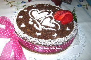 Sbriciolata integrale al cioccolato,fragole  e crema alle mandorle