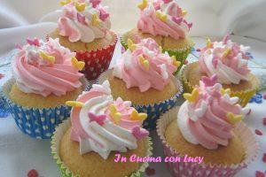 Cupcakes farciti con la composta di fragole