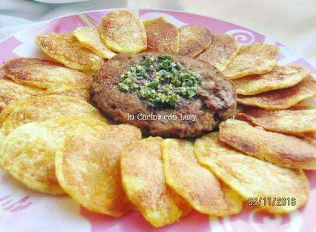 Amburger e patatine cotti nel microonde
