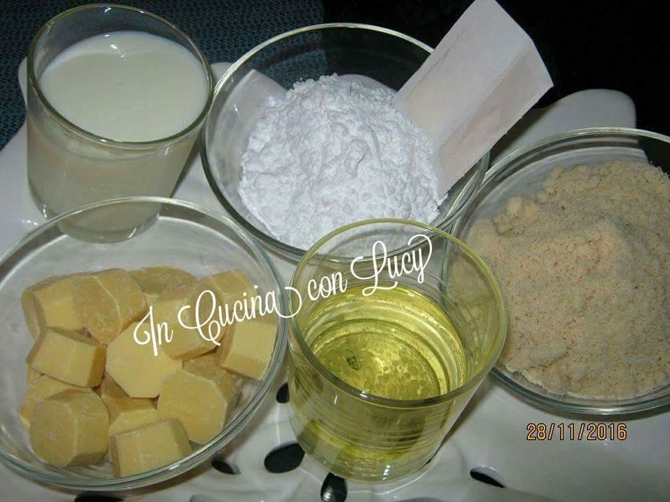 Nutella bianca alle mandorle