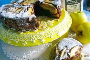 Torta integrale al cioccolato e mele