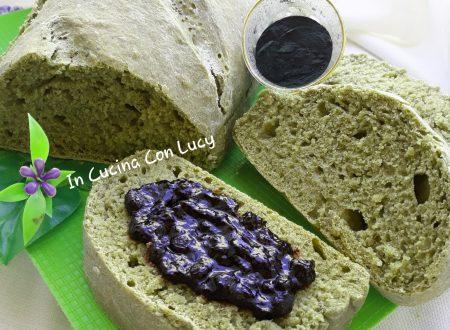 Pane alla spirulina e semi di chia