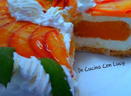 Torta fredda con gelée di pesche noci